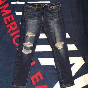 Distressed American Eagle jegging